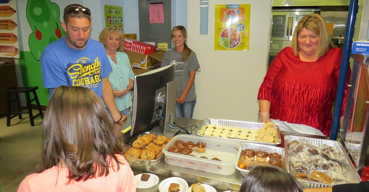 Open House dinner provided by members of the Smiths Grove Baptist Church