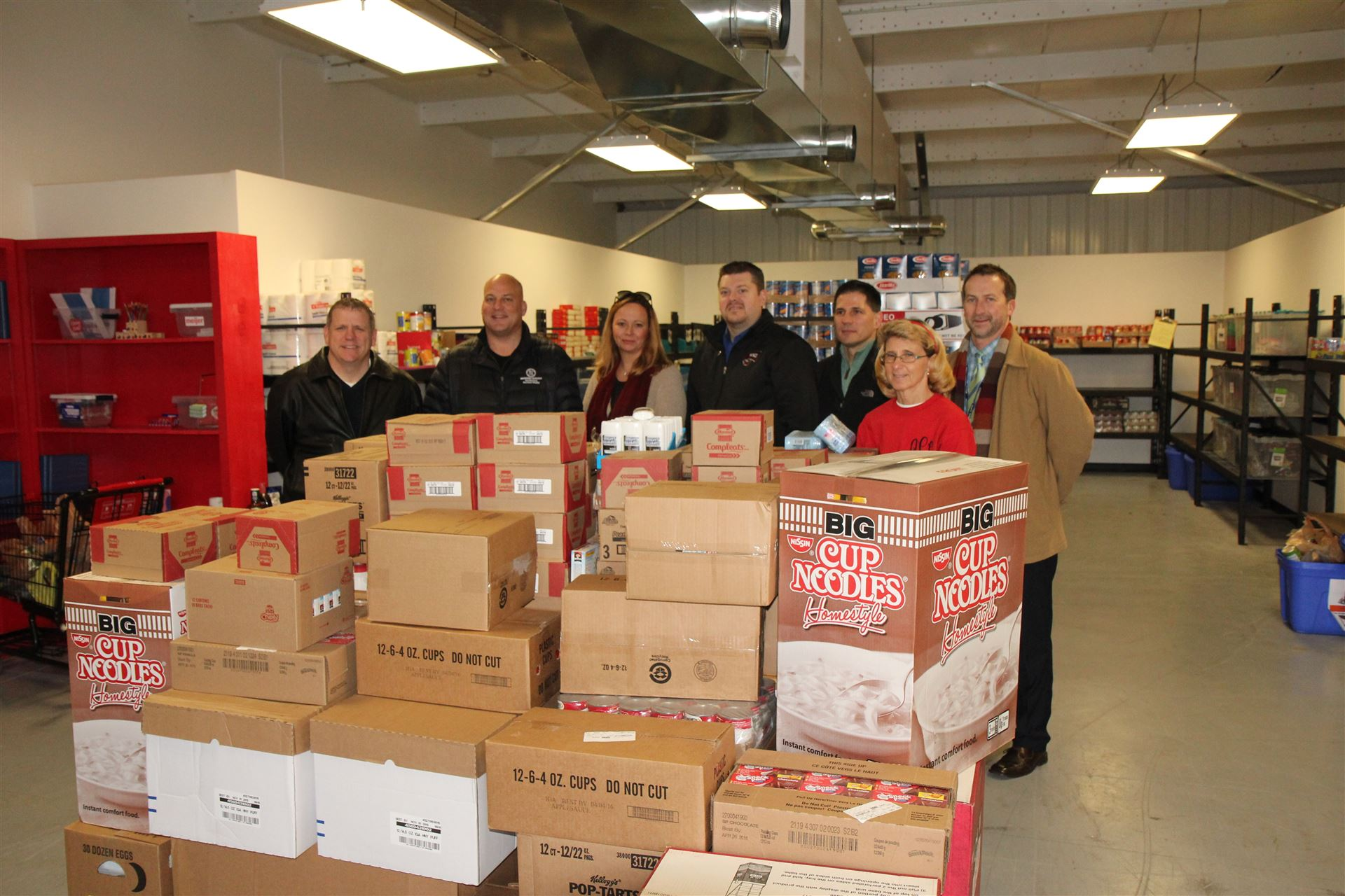 Realtors and IGA donate to Synergy Center