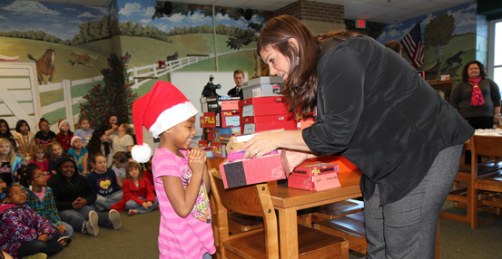 Rotary Club donates shoes to Warren Elementary